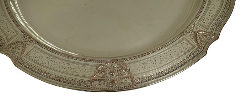 Pair of Round Silver Plate Trays E G Webster New York In Good Condition For Sale In San Francisco, CA