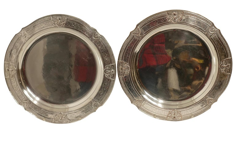 20th Century Pair of Round Silver Plate Trays E G Webster New York For Sale