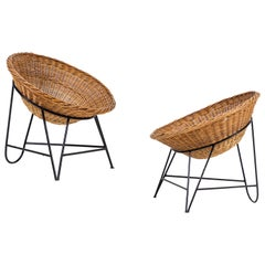 Pair of Rounded Basket Chairs with Iron Frame