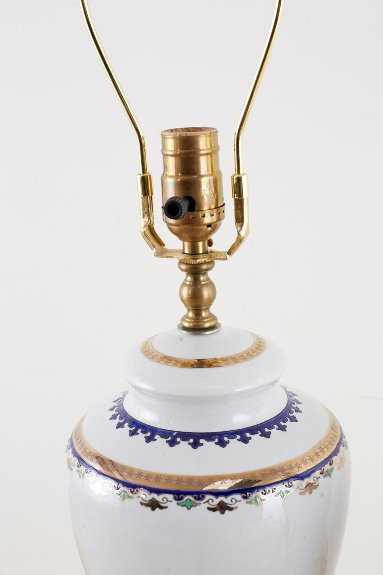 Pair of Royal Coat of Arms Porcelain Jar Table Lamps In Excellent Condition For Sale In Oakland, CA