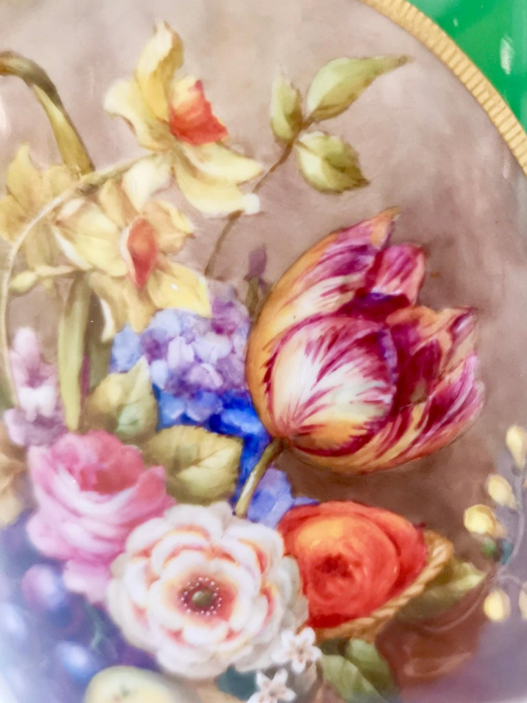 Hand-Painted Royal Worcester 2 Porcelain Vases, Green Floral, Signed William Hawkins, 1907 For Sale