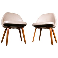 Pair of Saarinen Lounge Chairs