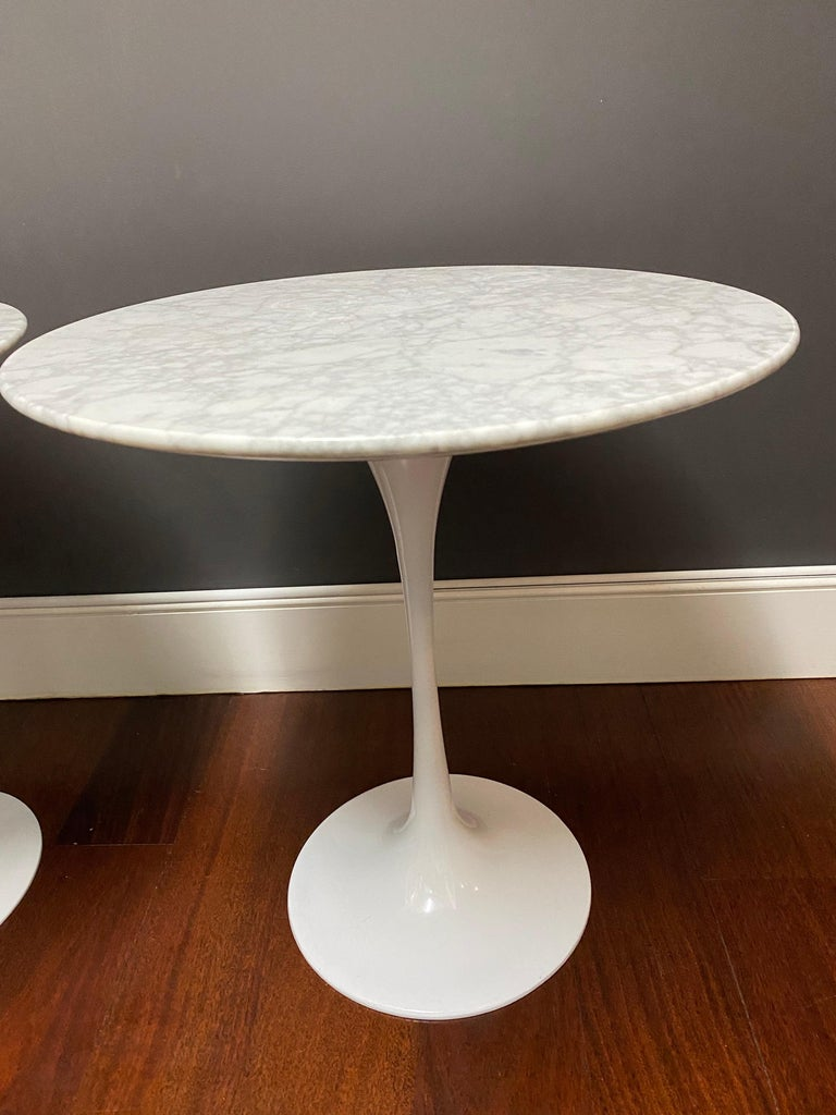 North American Pair of Saarinen Style Tulip Side Tables For Sale