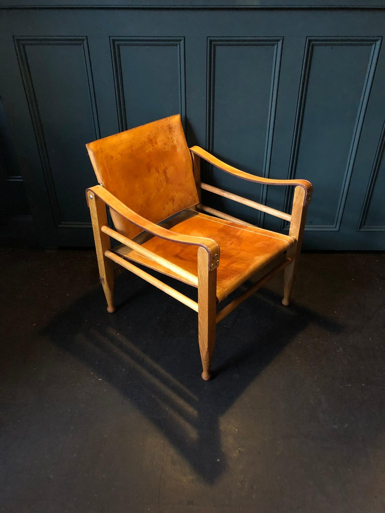 Danish Pair of Safari Chairs and Table, Aage Bruun & Son, Børge Mogensen For Sale