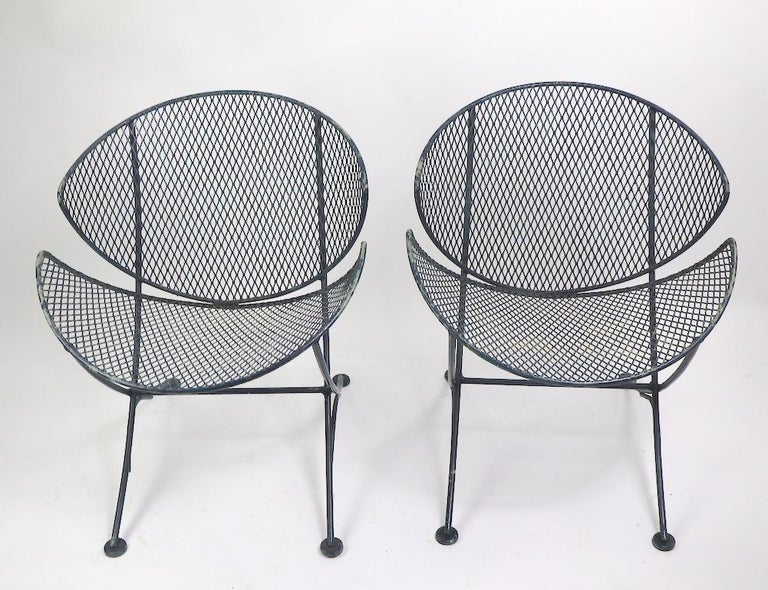 Mid-Century Modern Pair of Salterini Clamshell Lounge Chairs For Sale