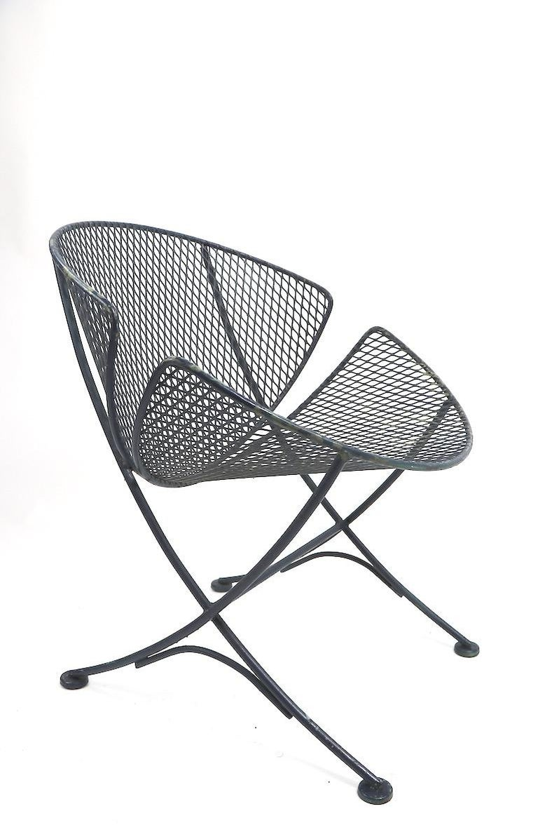 Pair of Salterini Clamshell Lounge Chairs In Good Condition For Sale In New York, NY