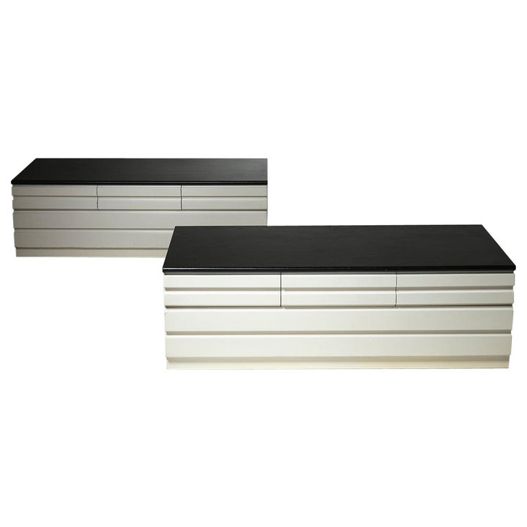 "Pair of ""Samarcanda"" Chest of Drawers by Vico Magistretti for Poggi For Sale"