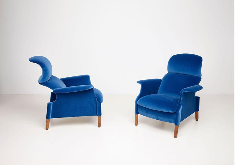 Mid-Century Modern Pair of Sanluca Armchairs by Achille & Pier Giacomo Castiglioni for Gavina Spa For Sale