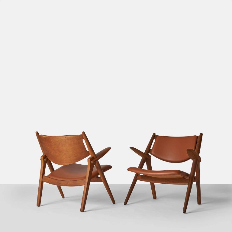 Pair of Sawbuck chairs, model CH-28 by Hans Wegner.