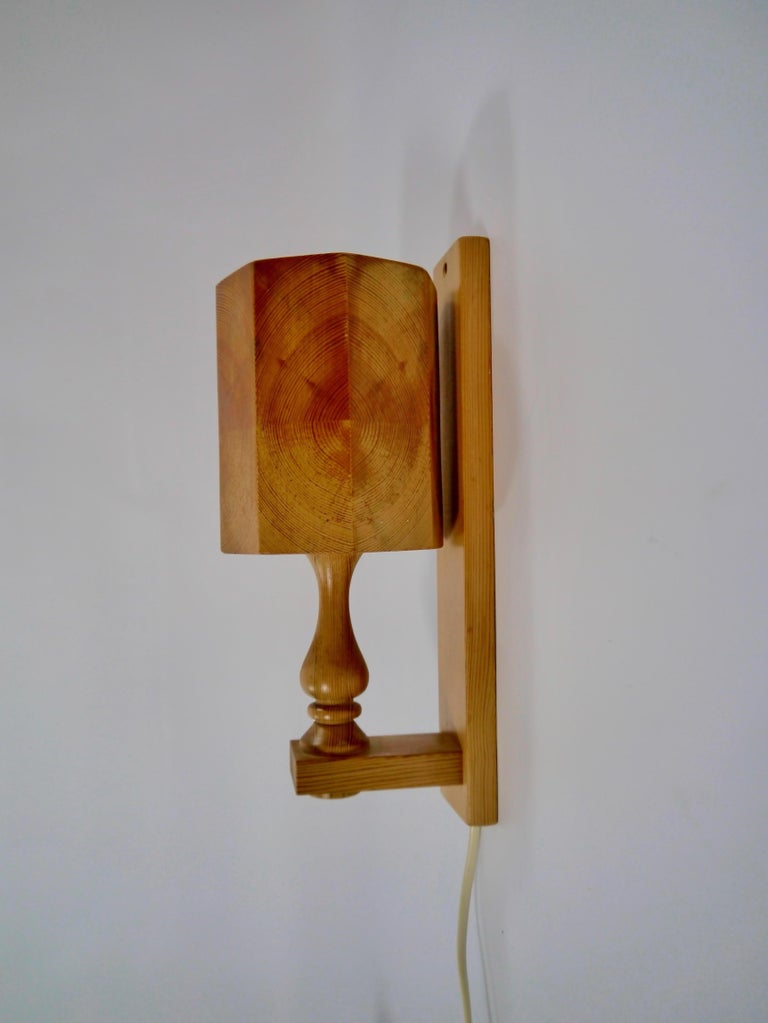 20th Century Pair of Scandiavian Modern Pinewood Wall Lights, Sweden, 1970s For Sale