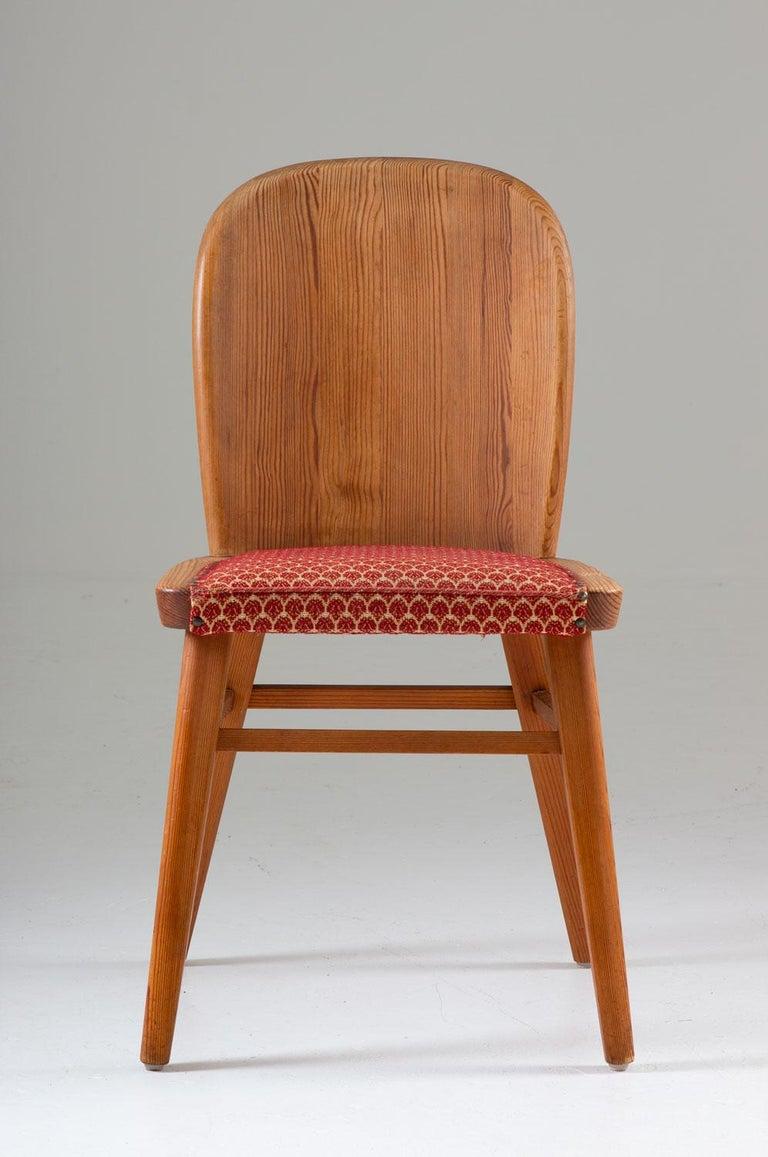 Scandinavian Modern Pair of Scandinavian Chairs in Pine For Sale