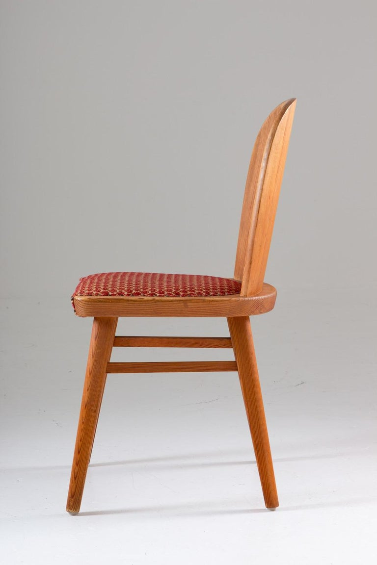 Pair of Scandinavian Chairs in Pine For Sale 1