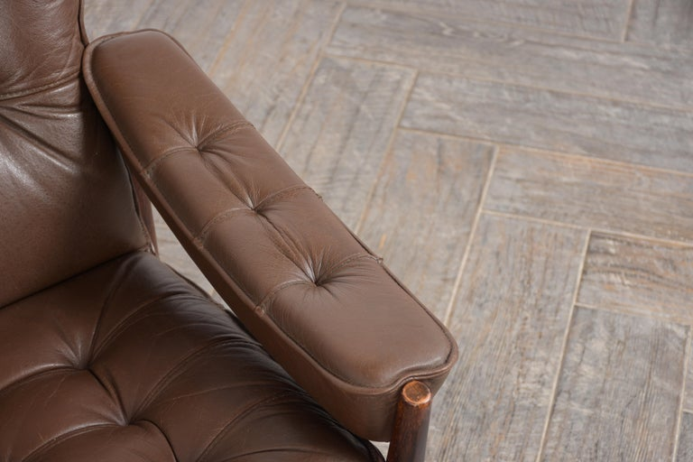 Mid-20th Century Pair of Mid Century Leather Tufted Lounge Chairs For Sale