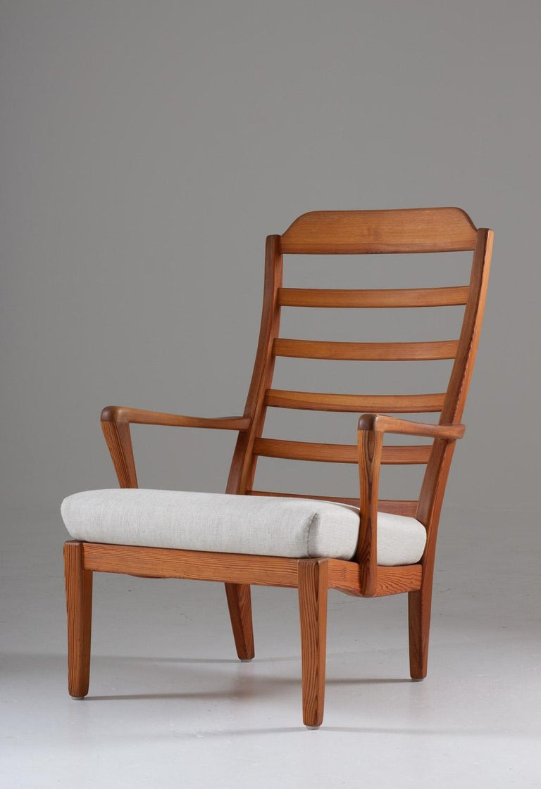 20th Century Pair of Scandinavian Midcentury Lounge Chairs by Carl Malmsten For Sale