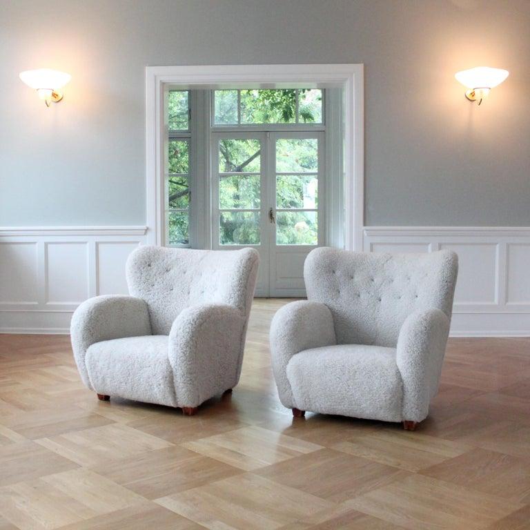 Pair of Scandinavian Modern Sheepskin Armchairs, Finland, 1950s In Good Condition In Copenhagen, DK