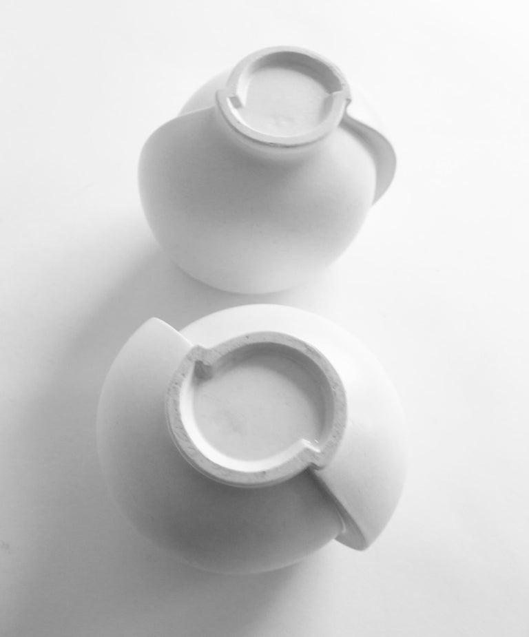 Pair of Scandinavian Modern Stoneware Vase Model Surrea Designed by Wilhelm Kåge In Good Condition For Sale In Stockholm, SE