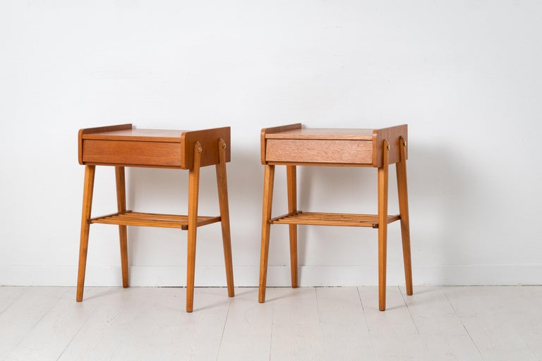 20th Century Pair of Scandinavian Modern Teak Nightstands For Sale
