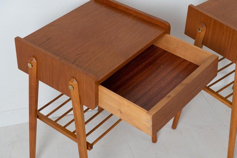 Pair of Scandinavian Modern Teak Nightstands For Sale 3