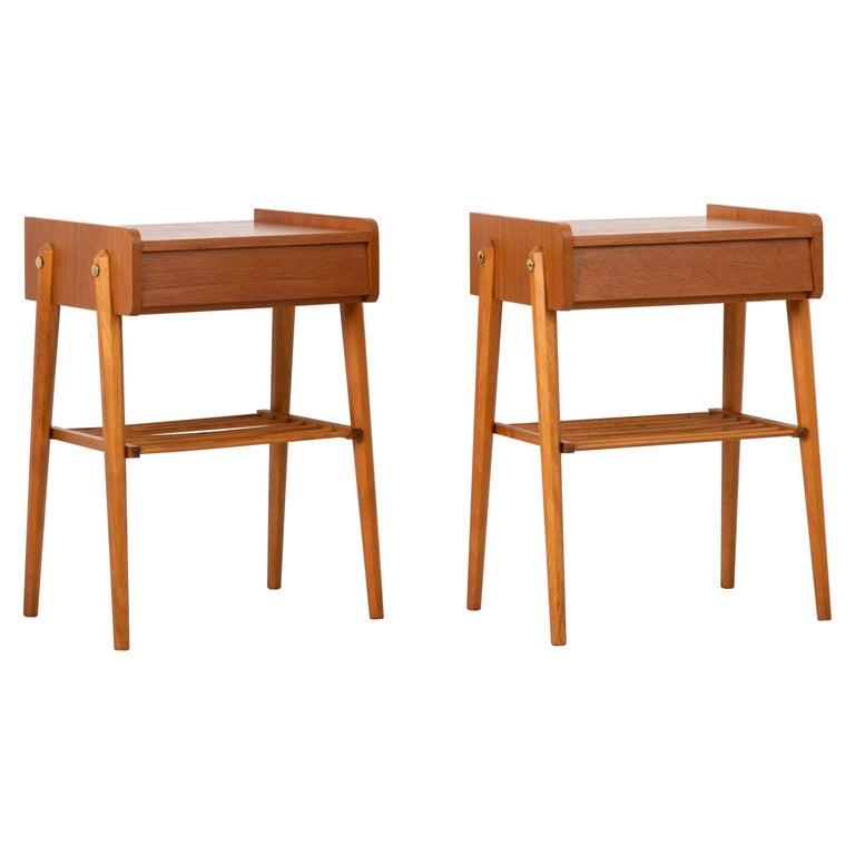 Pair of Scandinavian Modern Teak Nightstands For Sale