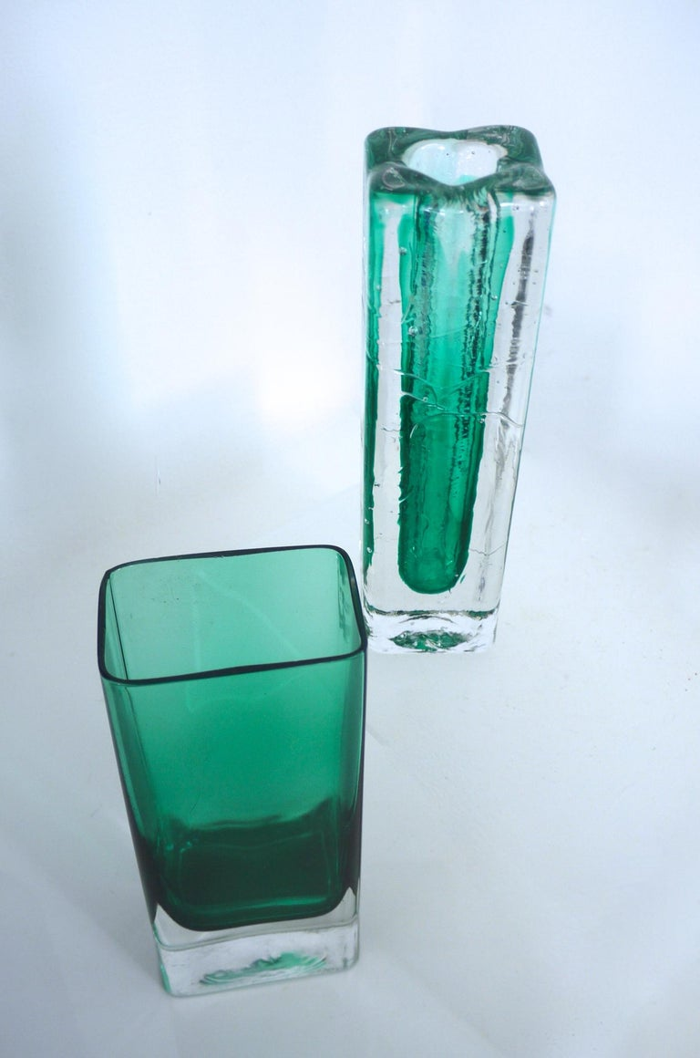 Pair of Scandinavian Modernist Glass Pillar Vases by Nuutajarvi Notsjõ In Good Condition For Sale In Halstead, GB