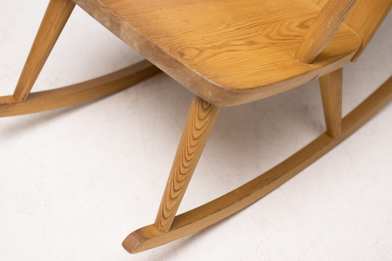 Swedish Pair of Scandinavian Pine Rocking Chairs For Sale