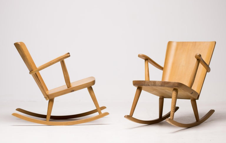 Pair of Scandinavian Pine Rocking Chairs For Sale 2
