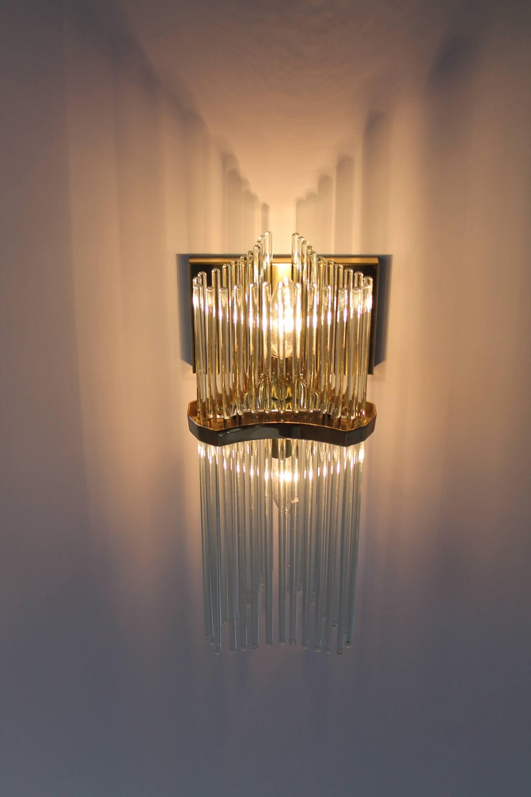 Mid-Century Modern Pair of Sciolari Glass Rod & Brass Wall Sconces Two-Light Bulbs, Italia, 1970 For Sale