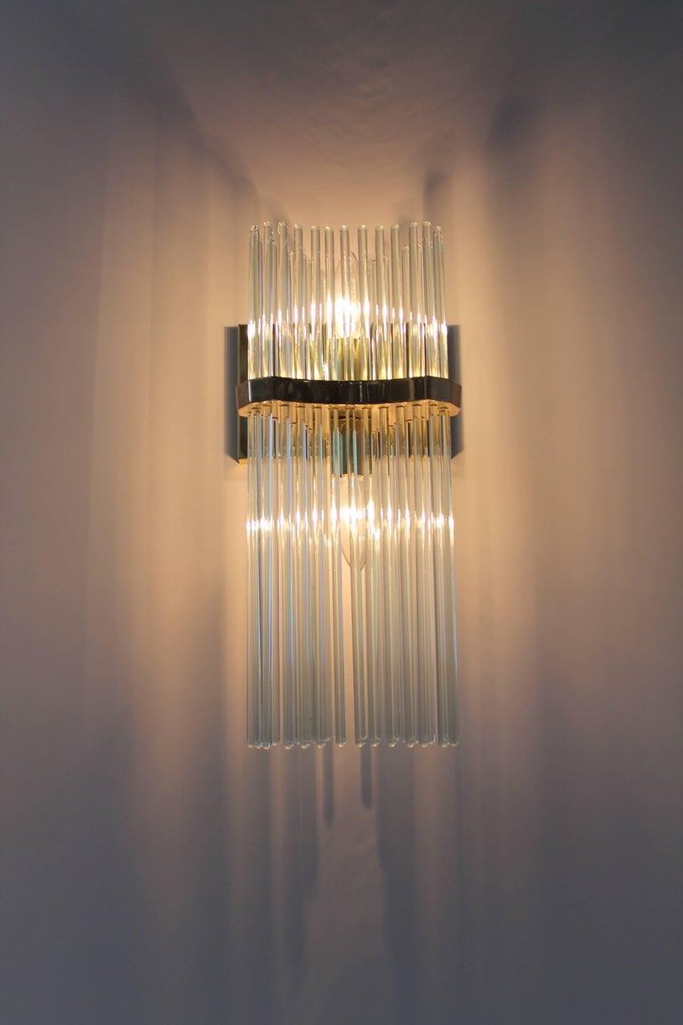 Pair of Sciolari Glass Rod & Brass Wall Sconces Two-Light Bulbs, Italia, 1970 In Good Condition For Sale In St- Leonard, Quebec