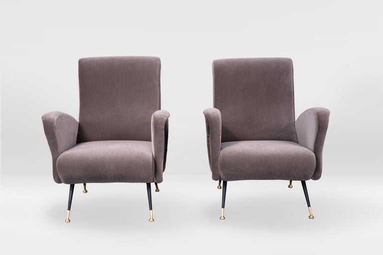 Italian Pair of Sculptural Armchairs, Italy 1950s, Reupholstered in Kvadrat Velvet For Sale