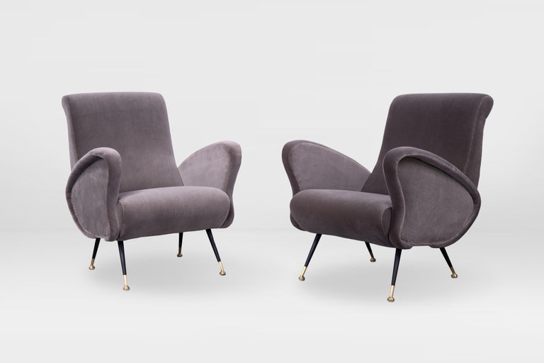 Mid-20th Century Pair of Sculptural Armchairs, Italy 1950s, Reupholstered in Kvadrat Velvet For Sale