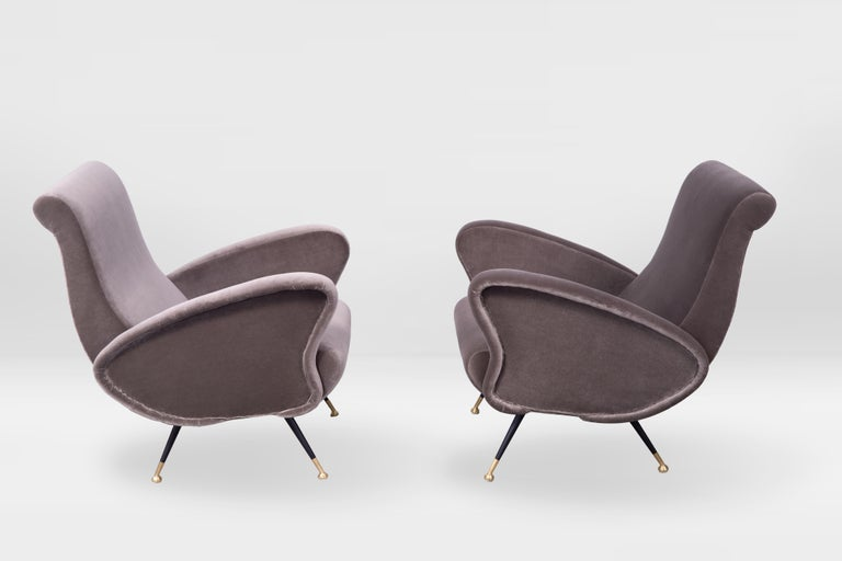 Pair of Sculptural Armchairs, Italy 1950s, Reupholstered in Kvadrat Velvet For Sale 1