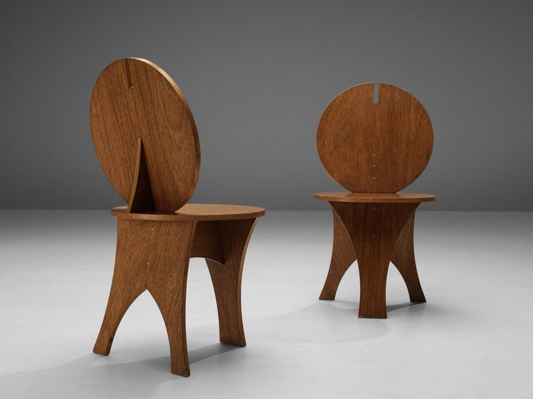 Pair of Sculptural Italian Side Chairs with Circular Backrest In Good Condition For Sale In Waalwijk, NL