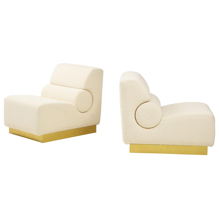 Pair of Sculptural Lounge Chairs in Ivory Boucle and Brass Base, Italy For Sale