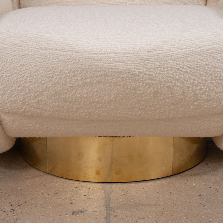 Italian Pair of Sculptural Lounge Chairs in Ivory Bouclette Fabric and Brass Base, Italy