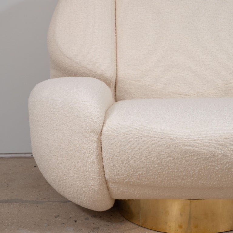 Hand-Crafted Pair of Sculptural Lounge Chairs in Ivory Bouclette Fabric and Brass Base, Italy