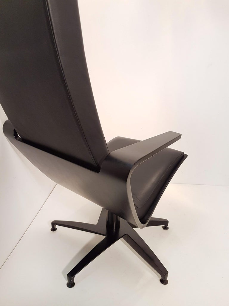 Pair of Sculptural Swiveling Chairs by Pennti Hakla for Avate, Finland, 2001 For Sale 4