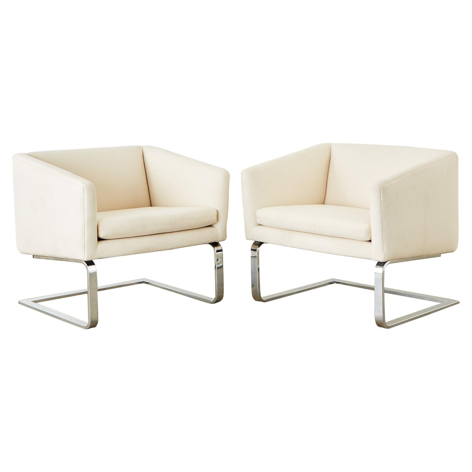 Pair of Selig Mid-Century Modern Cantilever Lounge Chairs