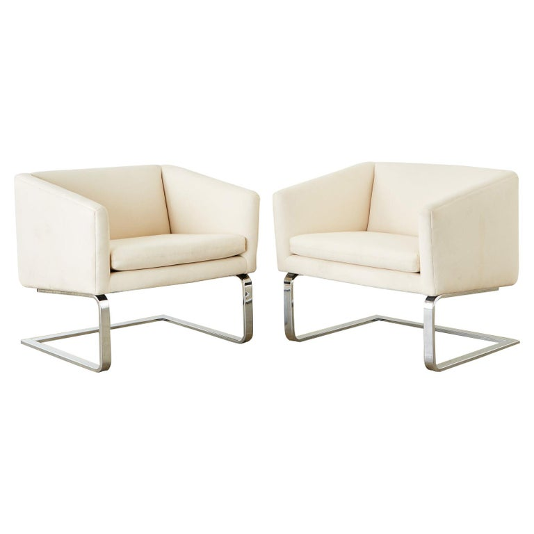 Pair of Selig Mid-Century Modern Cantilever Lounge Chairs For Sale
