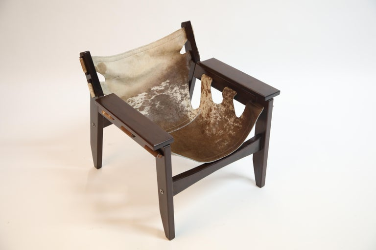 Pair of Sergio Rodrigues Kilin Chairs in Rosewood and Cowhide, OCA, Brazil 1970s For Sale 3