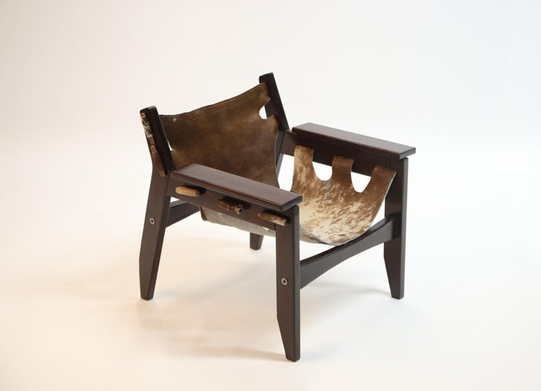 Leather Pair of Sergio Rodrigues Kilin Chairs in Rosewood and Cowhide, OCA, Brazil 1970s For Sale