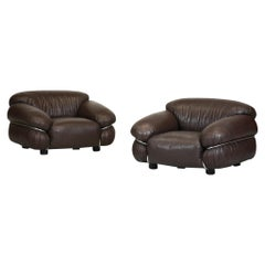 Pair of Sesann Armchairs by Gianfranco Fratinni in Leather for Cassina Italian