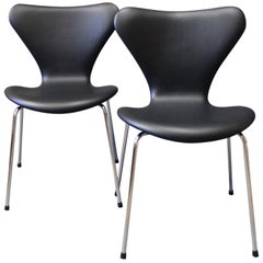 Pair of Seven Chairs, Model 3107, by Arne Jacobsen and Fritz Hansen, 1967
