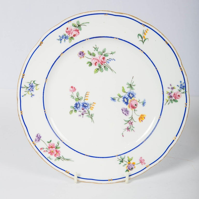 Rococo Pair of Sèvres Porcelain Dishes Painted with Delicate Flowers Made France For Sale