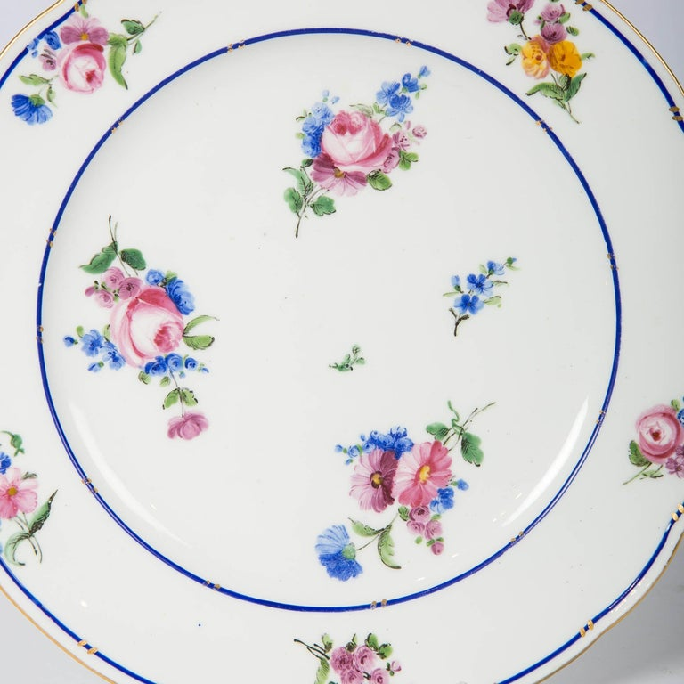Pair of Sèvres Porcelain Dishes Painted with Delicate Flowers Made France For Sale 1