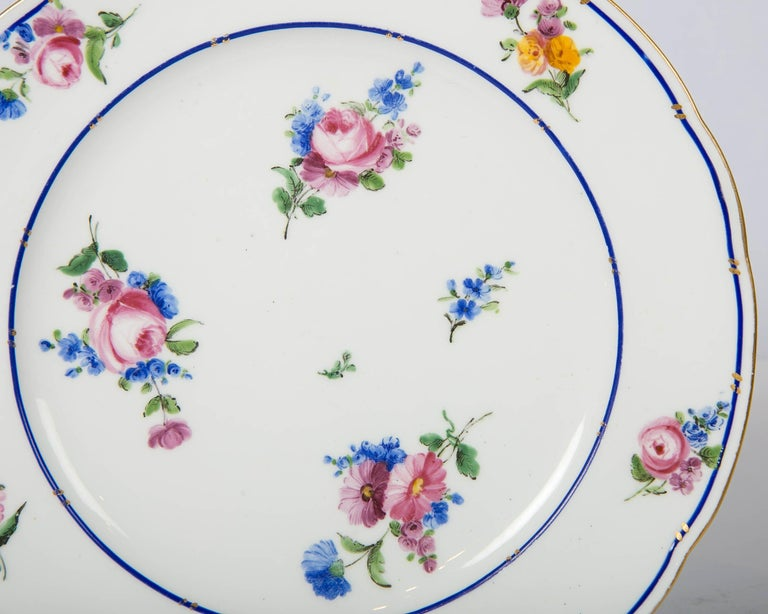 Pair of Sèvres Porcelain Dishes Painted with Delicate Flowers Made France For Sale 2