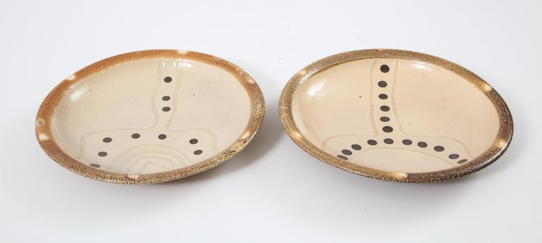 Pair of Shallow Stoneware Bowls with Abstract Pattern For Sale 6
