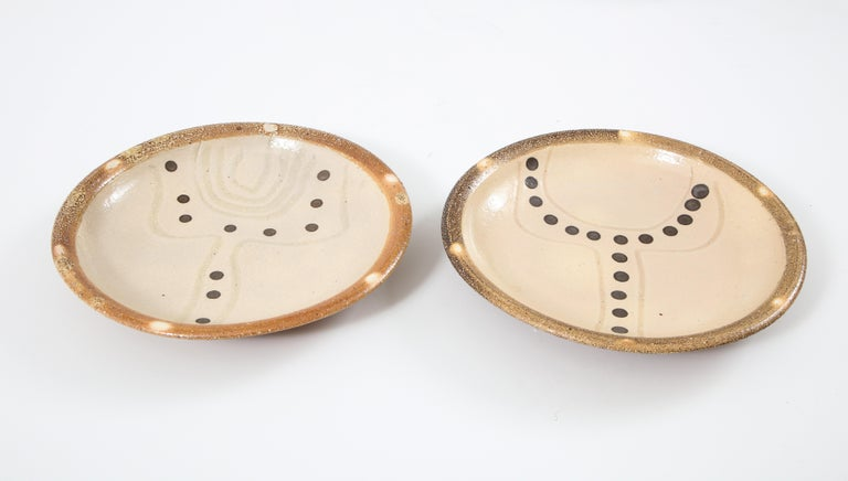 Pair of abstract pattern bowls by Mark Hewitt, (British), North Carolina Artist, signed