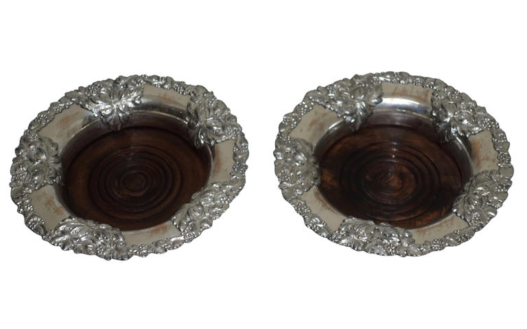 English Pair of Sheffield Silver Plate Wine Coasters, England, 19th Century For Sale
