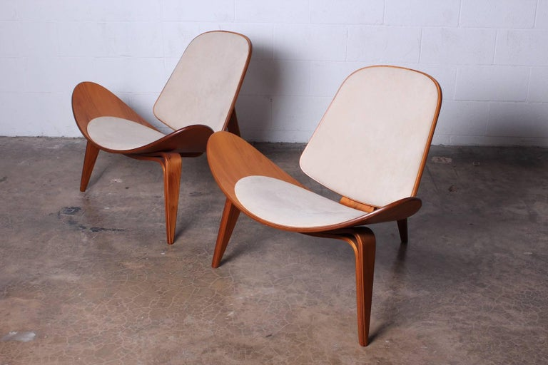 Pair of Shell Chairs by Hans Wegner For Sale 13