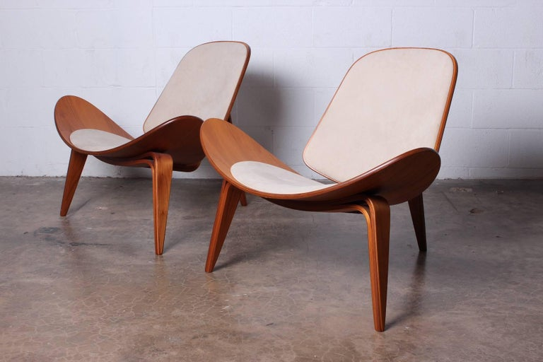 Pair of Shell Chairs by Hans Wegner For Sale 14